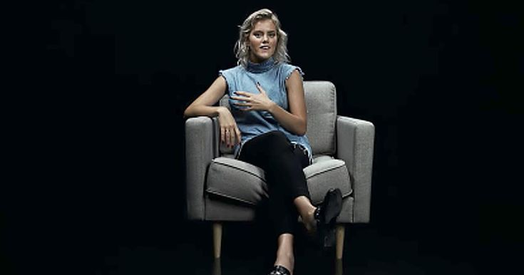 Taya Smith is a worship leader with the popular band Hillsong United. Despite her faith in God, she's still experienced dark times in her life.   During these difficult moments, she realized that worship is a weapon. When we sing praises to His name, we are singing His truth. Worship songs give words and music to feelings we have inside about our Lord and Savior.   When we have these words in our hearts, we have something so powerful that it cuts like a sword. Use these words of worship to…