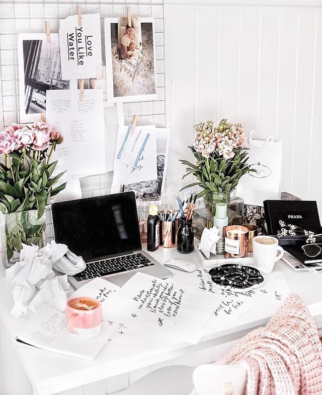 21 Feminine Home Office Designs Decorating Ideas: 976 Best Feminine Office Decor Images On Pinterest