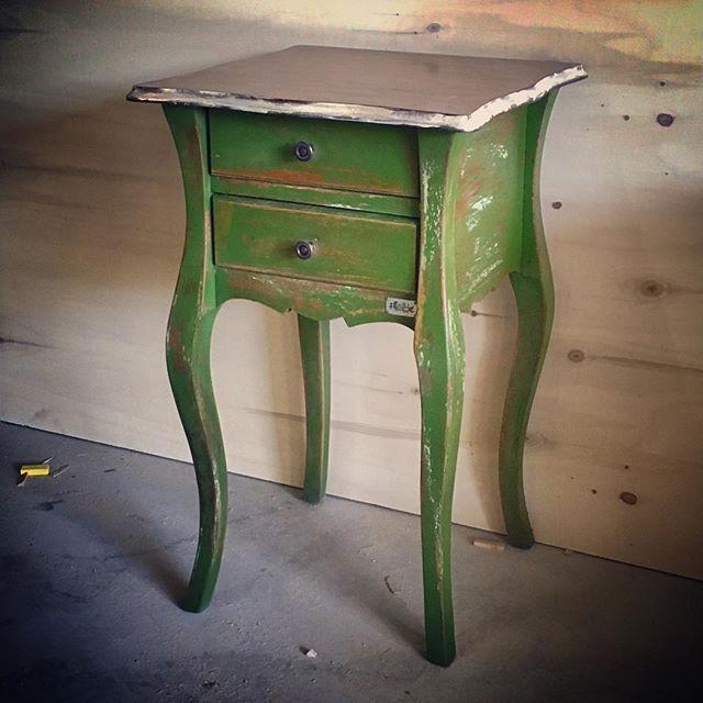 Eskitme komidin  #wood #wooden #woodworking #woodwork #handmade #masif #ahşap #ahsap #eski #eskitme #retro #rustik #vintage #loft #alacati #alaçatı #cunda #bozcaada #atolye #atölyekare #concept #konsept #dekor #wooddecor #avangard