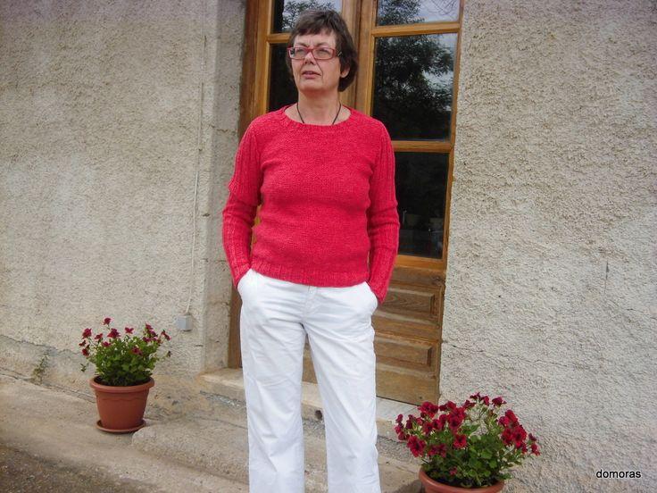 VINZERIA RUVIDA, smuk og funktionel bluse i hør/bomuld - her på tilbud. Designhåndstrik i OUTLET fra domoras