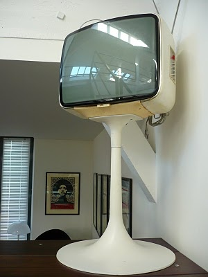 Nice French tulip TV set from the 70's
