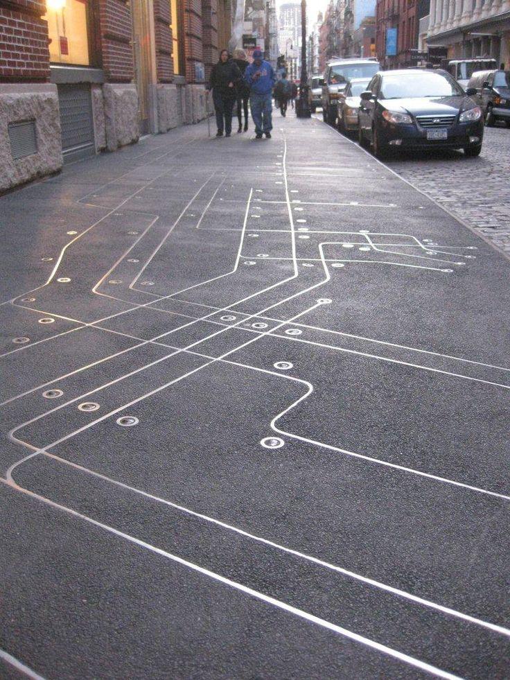 marquage au sol/réseau (Subway Map Floating on a NY Sidewalk | Urban Media Archaeology)