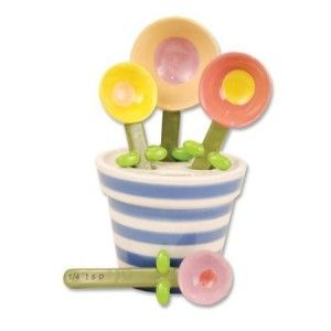 4 flower spoons in a flower pot, how cute is that?