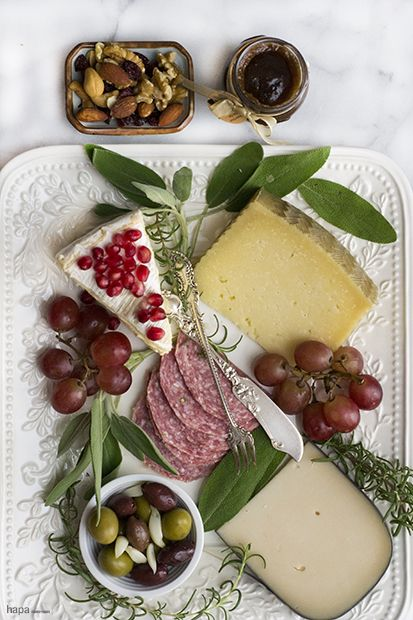 There is no right or wrong way to put together a selection of cheeses. But there are a few guidelines that I like to follow to ensure a variety and complimenting flavors. So how do you make a great cheese board???