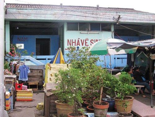 Nhà vệ sinh công cộng tại TP.HCM - Vẫn còn nhiều nhếch nhác, bất cập - TỜ BÁO CỦA GIỚI DOANH NHÂN - DOANHNHANSAIGON.VN