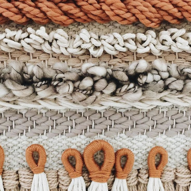 I love when weavers take the techniques from my class and run with it! This lovely piece from @woolandwoodco uses layers of lessons from my second weaving class. I especially love her keyhole tassels at the bottom You can find my basic class and my more-to-learn class on my website!