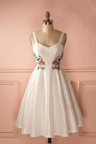 Daffrosa - White Dress Floral Emboideries