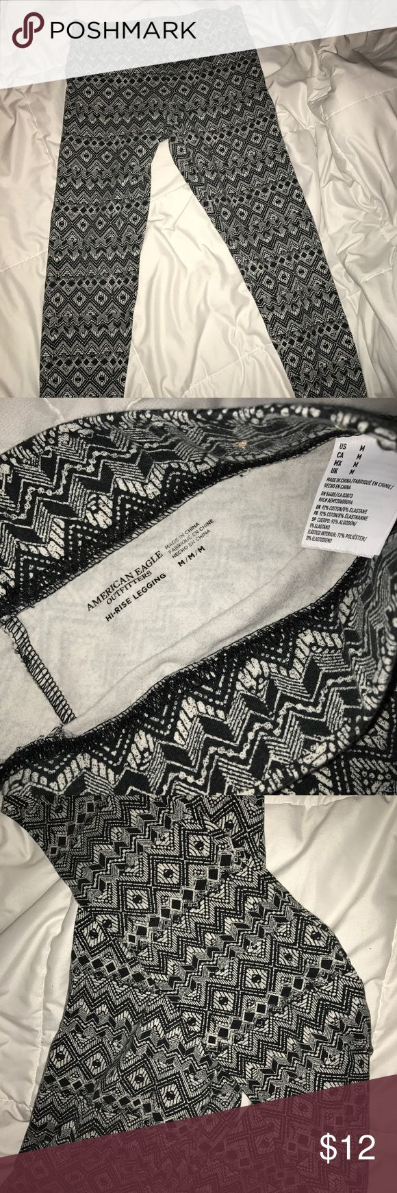 American Eagle Tribal Leggings Size medium black and white tribal leggings. Super comfortable ☺️ worn twice American Eagle Outfitters Pants Leggings