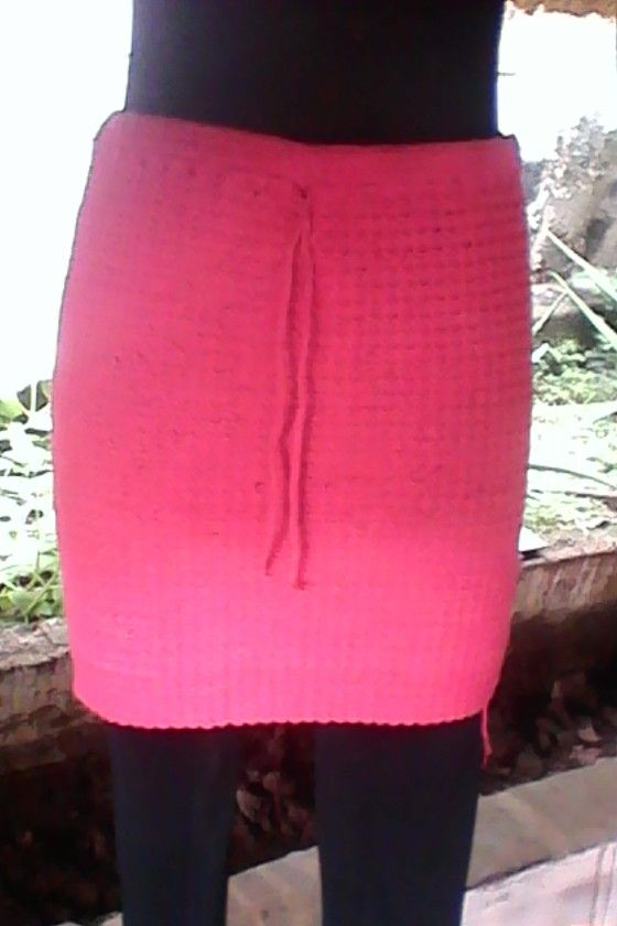 Falda corta tupida