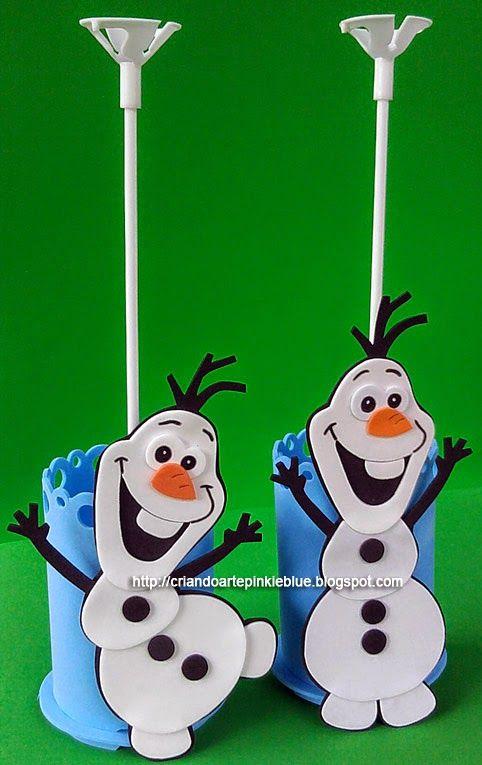 Enfeite para mesa dos convidados. Tema frozen.  Copinho porta-treco Boneco de neve Olaf.  O enfeite acompanha porta-balão.   Consultar prazo...