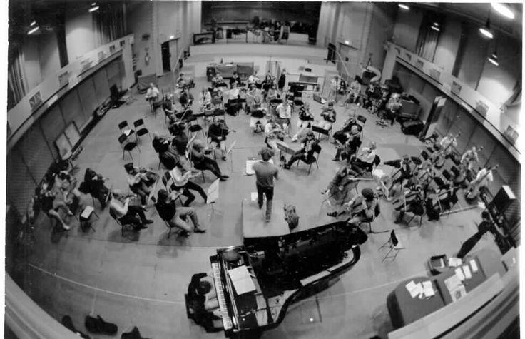 MP 7765. Malvern Symphony Orchestra at the Waverley Theatre, c.1980.