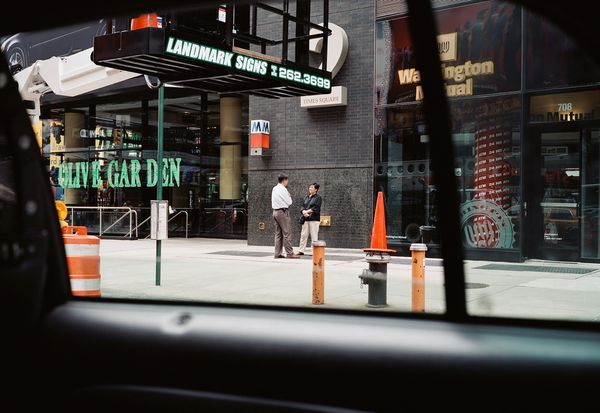 New York from a Cab   Tolle Bilder von Paul Murphy