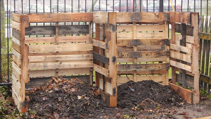 pallet compost bins! This is genius!