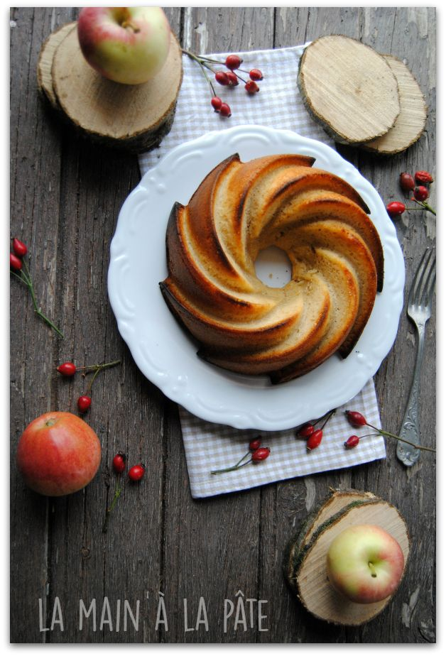 Cake with Apple Compote -
