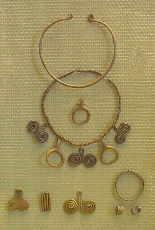 JEWELLERY FROM THE MIDDLE BRONZE AGE (Szigetszentmiklós-Felsőtag), Hungary. (2000-1500 BC)