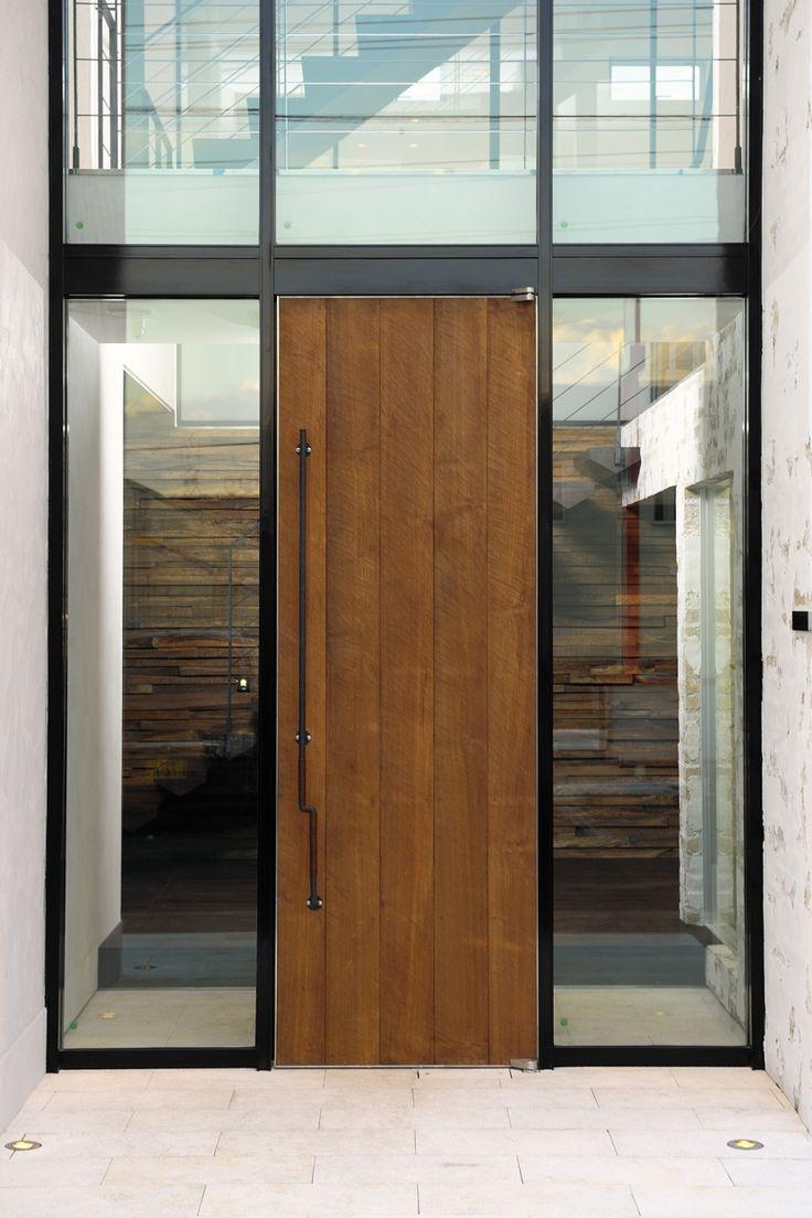 専門家:が手掛けた、玄関扉(自然素材の家 駒沢モデル)の詳細ページ。新築戸建、リフォーム、リノベーションの事例多数、SUVACO(スバコ)