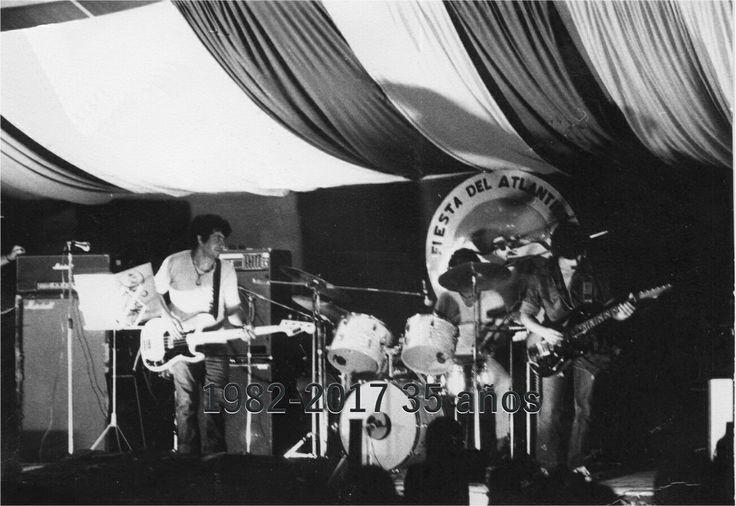 Vandar en 1983 tocando en la 5ta fiesta del Atlántico Sur. Playa Unión Rawson Chubut.