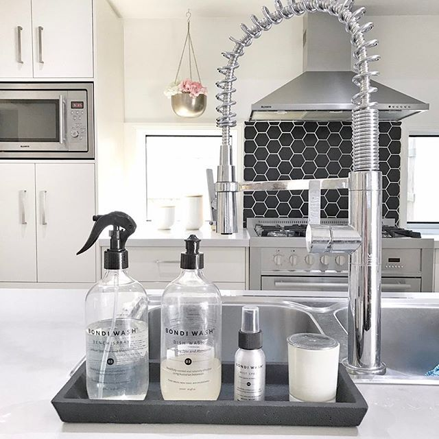 The @bondiwash range seriously smells SO yummy and looks pretty on my bench too!   The black & clear packaging also matches my kitchen - win-win!  Check out the range here - https://www.peppapenny.com/collections/bondi-wash