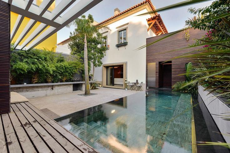 Stunning Family House in Estoril, Portugal by Ricardo Moreno Arquitectos