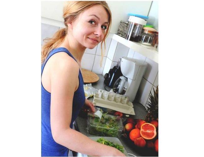 Gotować czy nie? W dzisiejszych czasach kobiety mają wybór #tojakobietapl #kobieta #gotować #gotowanie #dzisiejsze #czasy #wybór Najpiękniejsze wspomnienia mojego dzieciństwa wiążą się z niezwykłymi zapachami potraw, przygotowywanymi przez babcię. Pyszne ciasta, wytrawne dania, niesamowite zupy - nic nie było dla niej za trudne. Cały artykuł http://www.tojakobieta.pl/miedzy-nami-kobietami/gotowac-czy-nie-w-dzisiejszych-czasach-kobiety-maja-wybor.html