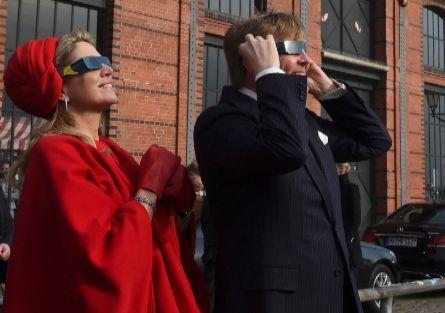 EL MUNDO América - líder de información en castellano  #reyes #eclipsados #eclipse