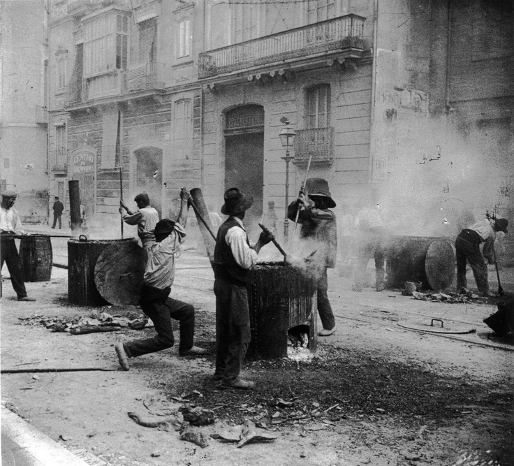 Asfaltado en calle del Pintor Sorolla en 1909.