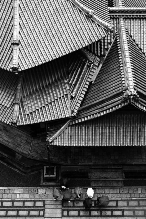 .: Roof Tile, Black White, Roof Tops, Japan Kyoto, Japan Architecture, Rainy Hexagons, Kyoto Japan, Photography, Rooftops