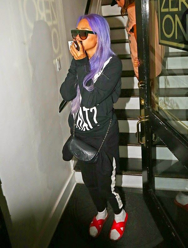 GOSSIP OVER THE WORLD: Amanda Bynes Dyes Hair Purple After Crying She's H...