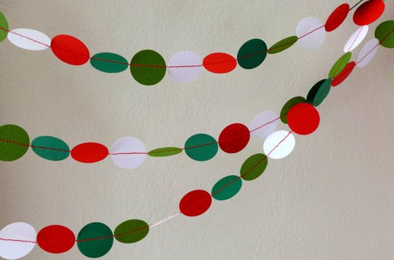 Christmas garland paper - 10 feet - green grass // evergreen // red // white - Christmas / Noel decoration - ready to ship