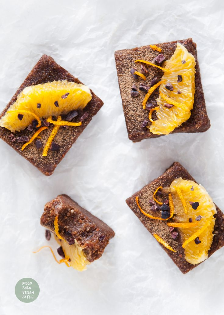 Chocolate-orange protein vegan brownie (no bake) / Czekoladowo-pomarańczowe wegańskie brownie proteinowe