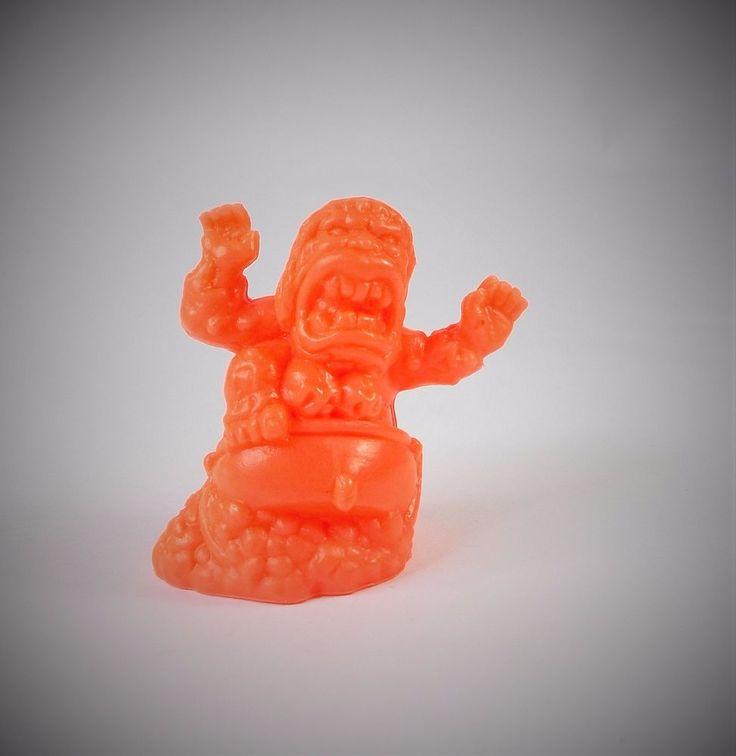 Monster in my Pocket - Series 1 - 18 Baba Yaga - Mini Figure - Neon Red NR MEG