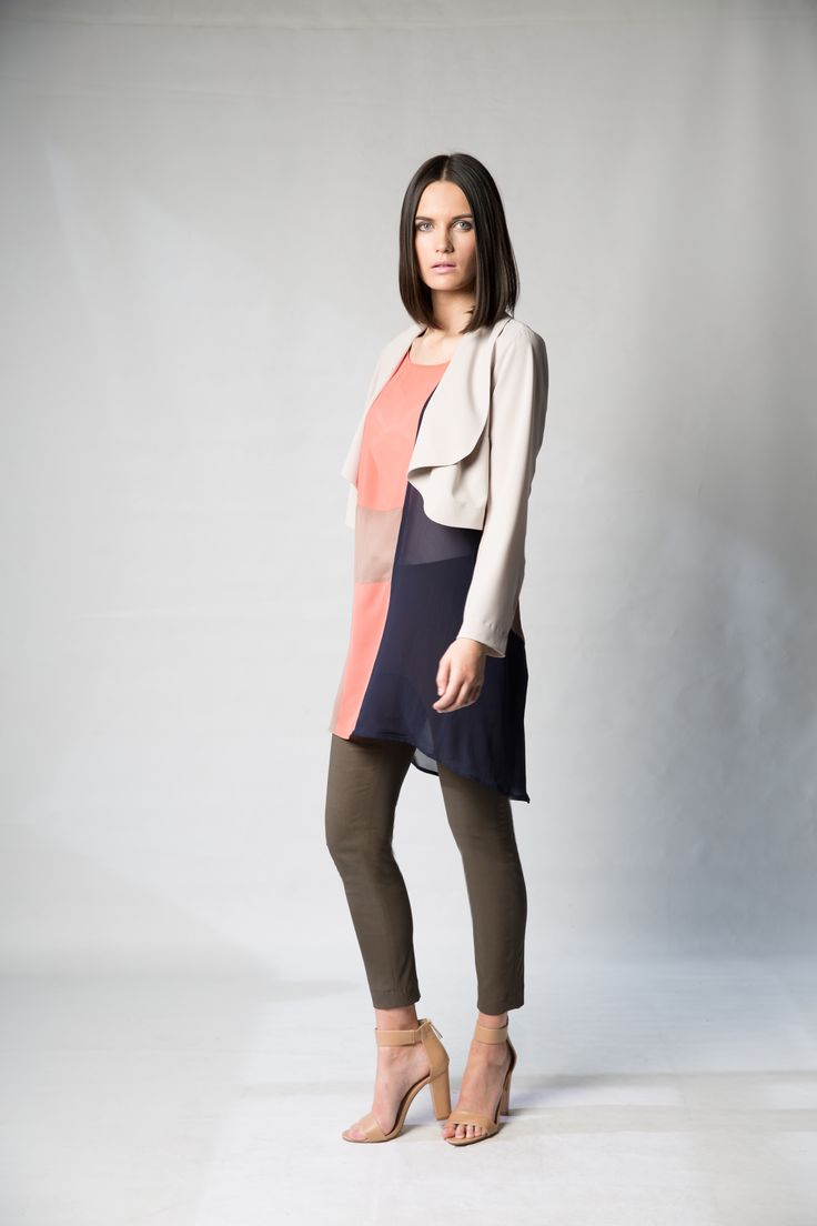 Annah Stretton Designer Fashion Pant. Slim fitted khaki pants. Leggings to wear under dresses. Summer slimming pants. (Follow the link above!) Photography; Nicole Troost
