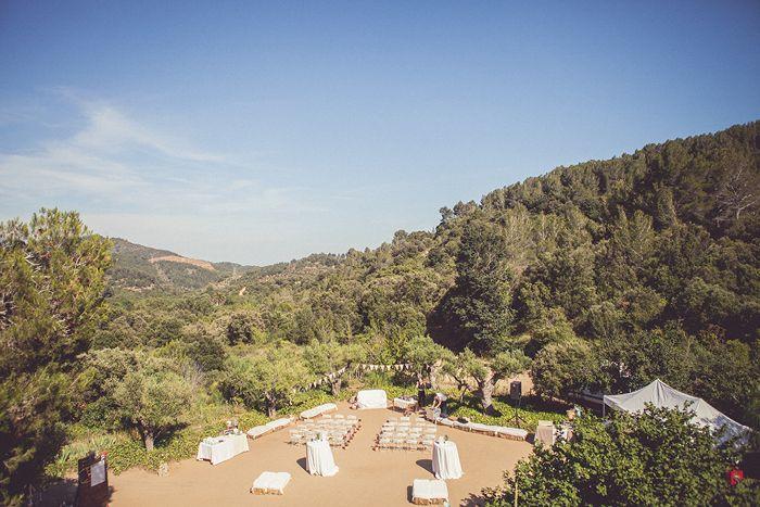 Una ceremonia de boda al aire libre, en L'Avellana, Riudecols