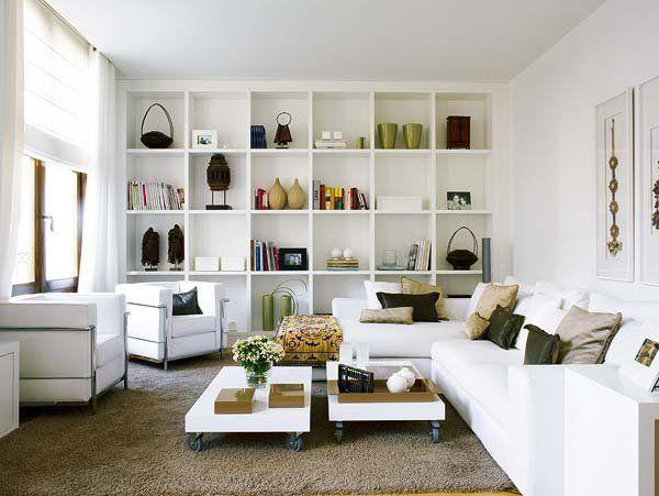 Con un interiorismo cargado de sensibilidad, Carlos Serra ha hecho de este piso valenciano un lugar especial. La combinación de piezas étnicas, muebles contemporáneos y un fondo blanco 100% ha sido...