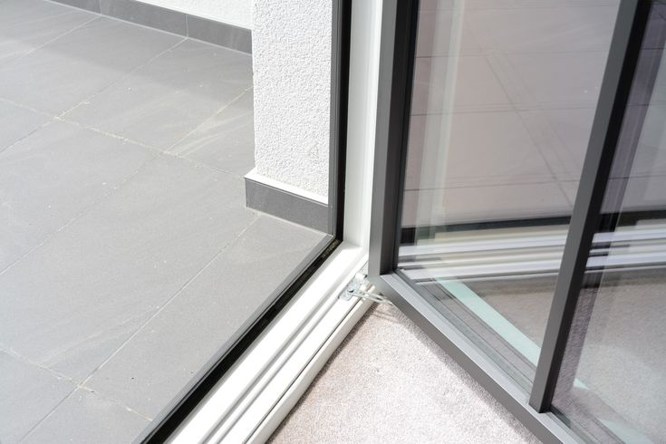 Precise workmanship and joints, premium-quality materials, exclusive technology, mind-blowing design. A few of the many reasons why the Janko Window is the best choice!