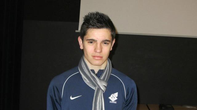 23/01/14. FONTENAY LE COMTE. Initiative. Corentin Lucas organise un tournoi de foot pour des handicapés. LIRE http://www.ouest-france.fr/initiative-il-organise-un-tournoi-de-foot-pour-des-handicapes-1875042