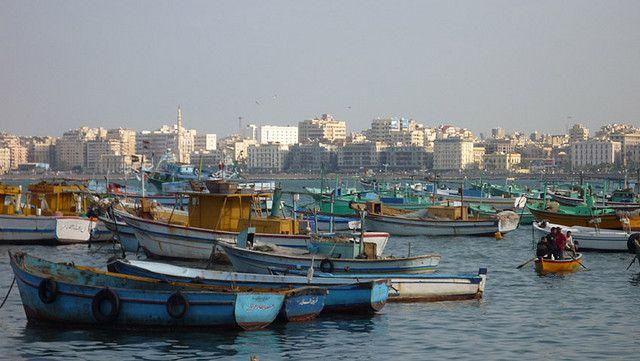 https://flic.kr/p/5KnjCQ | ALEXANDRIA, EGYPT - fishing boats/ АЛЕКСАНДРИЯ, ЕГИПЕТ - рыбацкие лодки