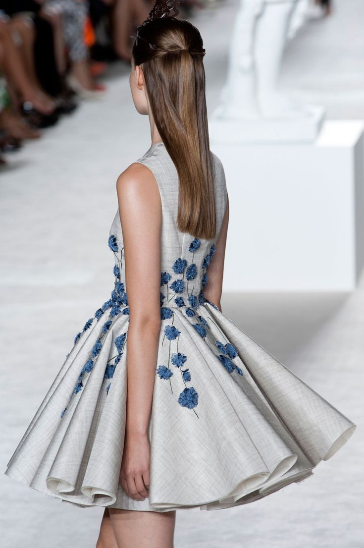 LOVE this skirt! Just needs to be a few inches longer ;-) --Giambattista Valli at Couture Fall 2013 - StyleBistro