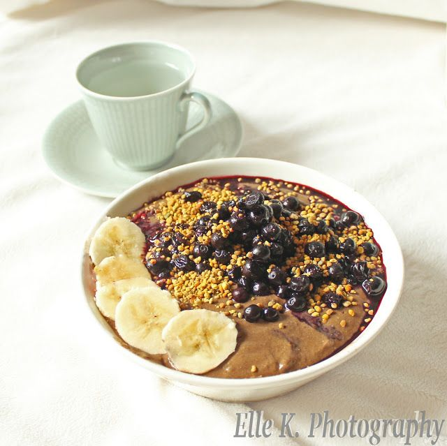 The nutritious chocolate bowl! This health hippie's favourite breakfast food. Vegan, plantbased, delicious!