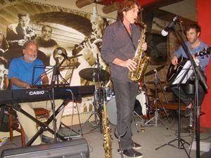 MAPA DA CULTURA: RJ: Chico Batera recebe o saxofonista canadense Jean Pierre Zanella na Tijuca, neste sábado (16/01)