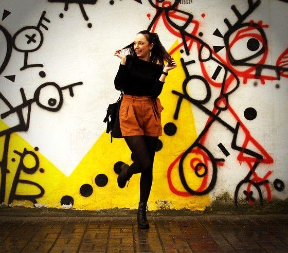 More looks by Karolina Gazela ***: http://lb.nu/modi_modisho  #camel #shorts #blacktop #blackblouse #blacktights #camelshorts #outfit #street #streetfashion