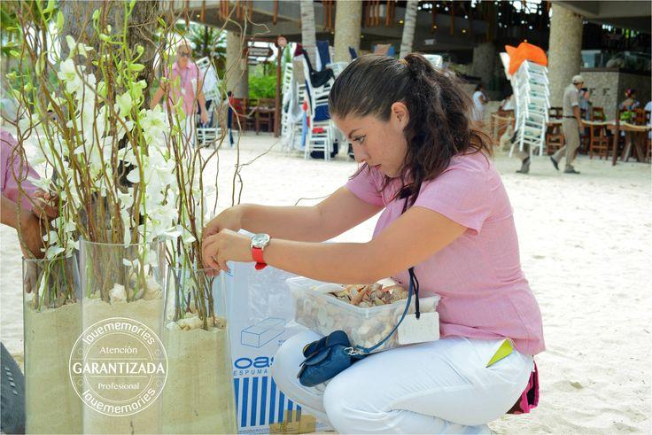 cuidando los detalles  #xcaretExperience #bodas #montaje #decoracion
