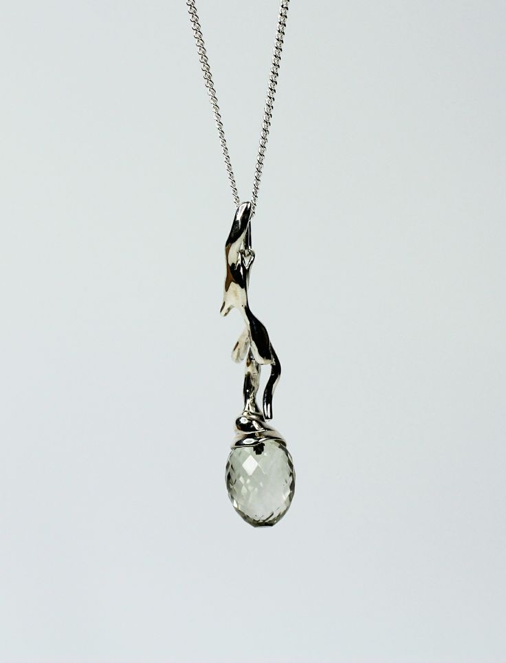 Silver pendant with lemon quartz