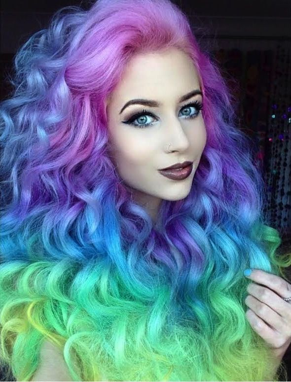 Beautiful big mermaid hair by Amy the Mermaid #hotonbeauty facebook.com/hotbeautymagazine