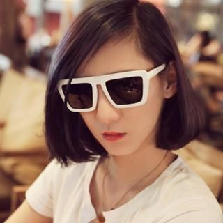 Buy 'Lose Show – Square Sunglasses' with Free International Shipping at YesStyle.com. Browse and shop for thousands of Asian fashion items from China and more!