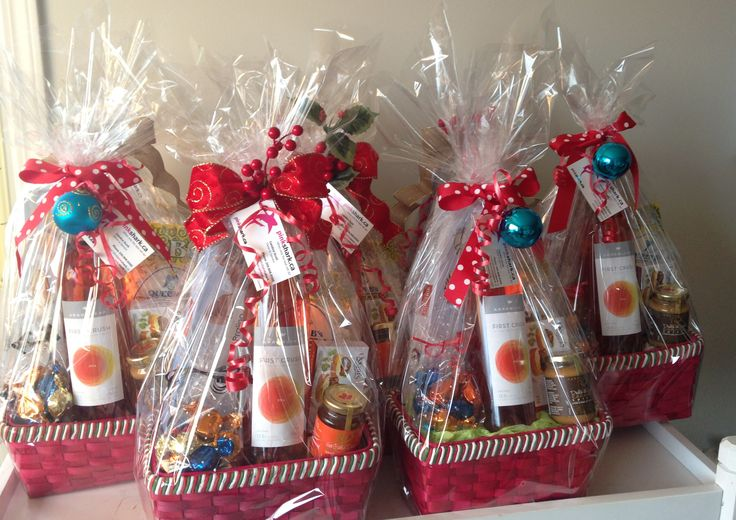 Holiday Gift Baskets...by pinkshark.ca.....http://www.pinkshark.ca/