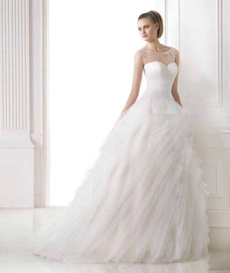 Pronovias | Robes de mariée et Robes de soirée