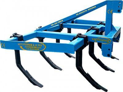Ρίπερ  Ρίπερ τύπου MINI RIPPER RIPUNTATORE είναι γεωργικό παρελκόμενο μηχάνημα για τρακτέρ ιδανικό  για την επεξεργασία του εδάφους πριν και μετά το όργωμα και  για την κατάλληλη προετοιμασία του εδάφους για σπορά. Το ρίπερ κατασκευάζεται από χάλυβα υψηλής αντοχής (ενισχυμένο κοιλοδοκό) και φέρει σταβάρια από ατσάλι ειδικής σχεδίασης,  κατασκευής με κλίσης επιτρέποντας  το να αναμοχλεύει , οργώνει ακόμα και στα πιο σκληρά εδάφη.