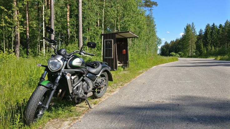 Country road, Roukalahti, Liperi, Finland + Vulcan S taking a short break on a sunny Sunday morning.