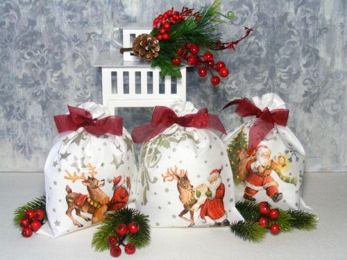 #diy #christmas #santaclaus #decoupage #stencil #fabric #fabricpainting #reindeer #pentart